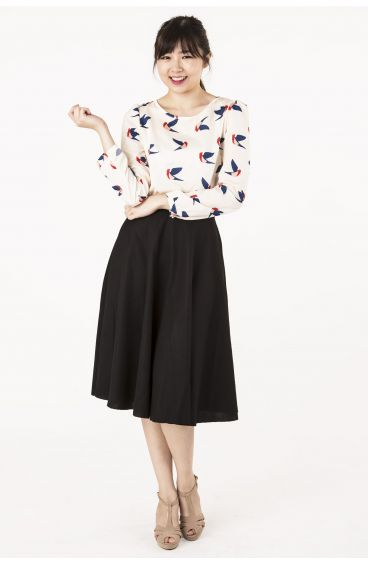 Bird prints long-sleeved blouse (Pastel cream)