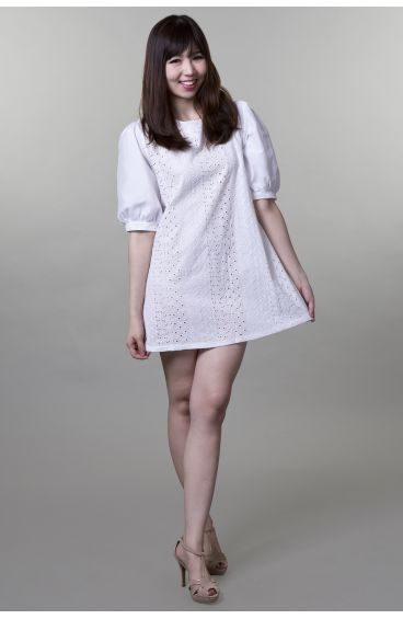 Embroided print cotton dress with puffy sleeves (White)